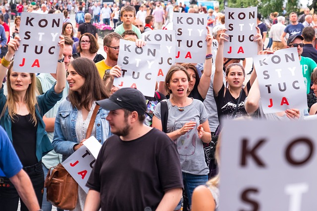 Strajk kobiet, protest przedsiębiorców. Poradnik dla protestującego – znaj swoje prawa!